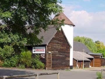 the barn theatre barn close handside lane welwyn garden. Black Bedroom Furniture Sets. Home Design Ideas